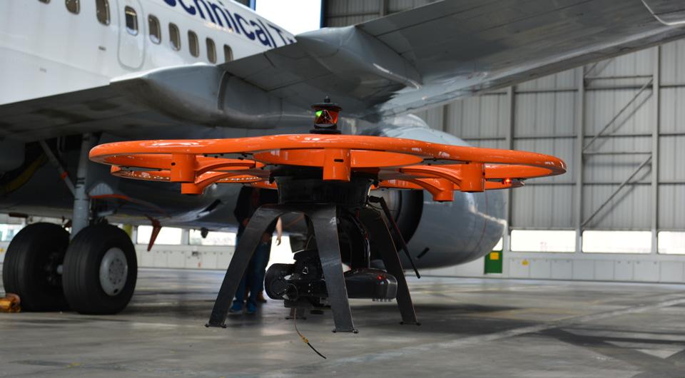 Aibot-X6-im-Hangar
